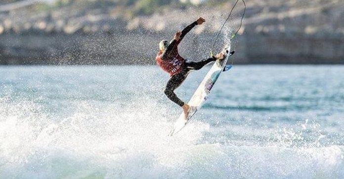 Covid-19: Circuitos mundiais de surf cancelados mas Peniche mantém-se no próximo ano
