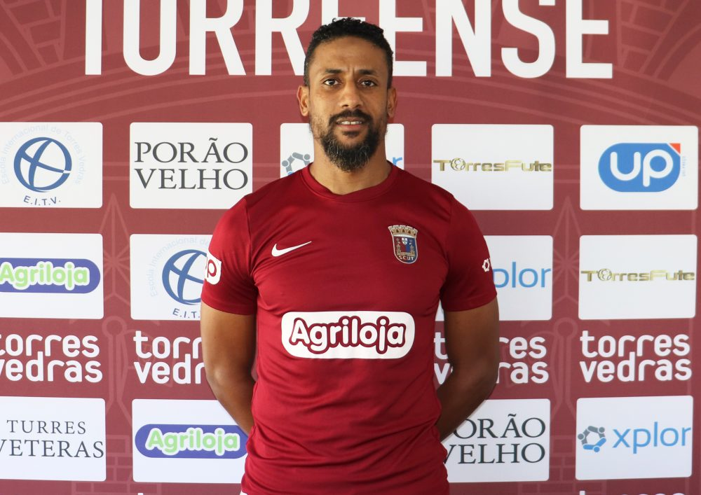 Zarabi Kiko é reforço do Torreense