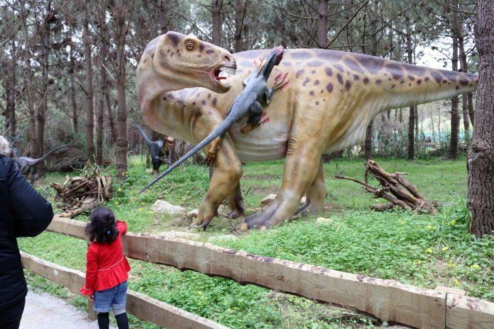 LOURINHÃ: Comunidade Intermunicipal e Dino Parque lançam campanha para residentes no Oeste
