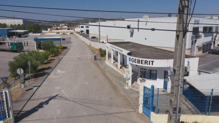 Covid-19: Segundo surto na fábrica de cerâmica Geberit do Carregado com 56 infetados