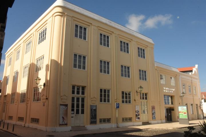 Atividades da Biblioteca Municipal de Torres Vedras prosseguem em dezembro