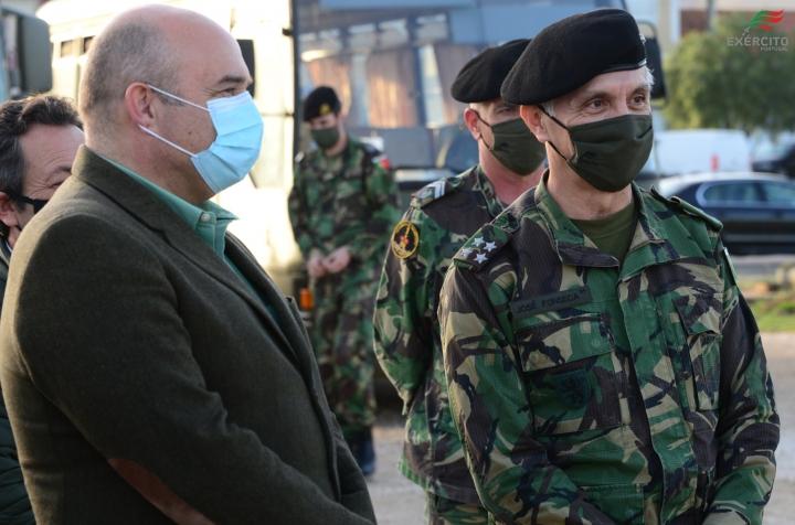 Chefe do Estado-Maior do Exército visitou a ponte militar em A dos Cunhados