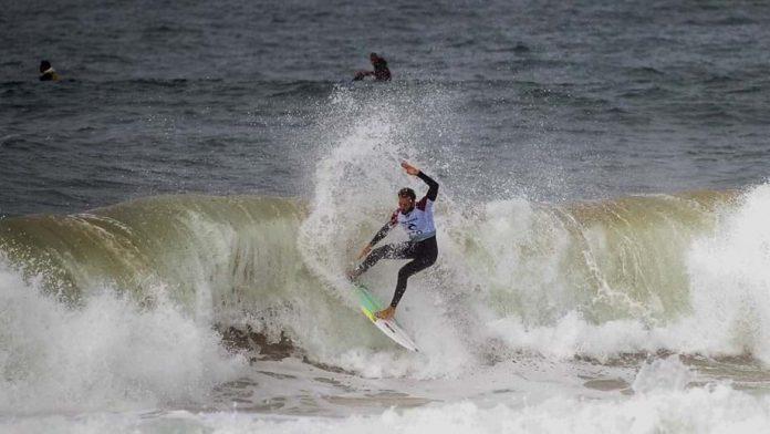 """Autarca de Peniche diz que adiamento da etapa de surf é """"decisão de bom senso"""""""