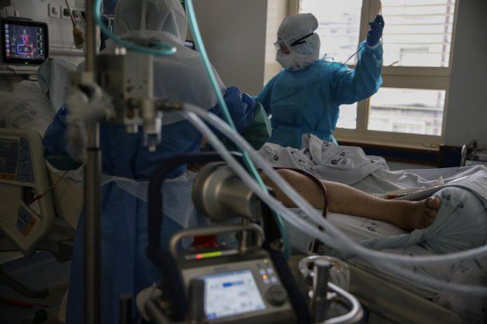Covid-19: Hospitais do Oeste com 70 infetados internados e urgências sobrelotadas