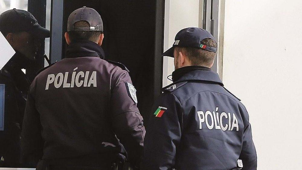 NAZARÉ: Dois detidos por furto e milhares de euros apreendidos pela PSP
