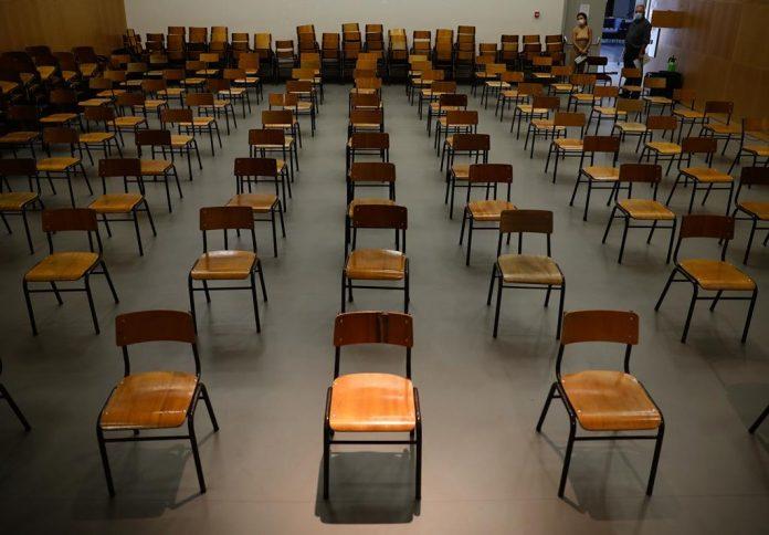 Covid-19: Torres Vedras vai pedir encerramento das escolas ao Ministério da Educação
